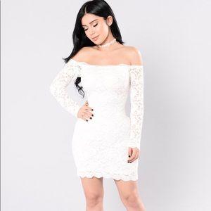 Fashion Nova • Lace Bodycon Dress
